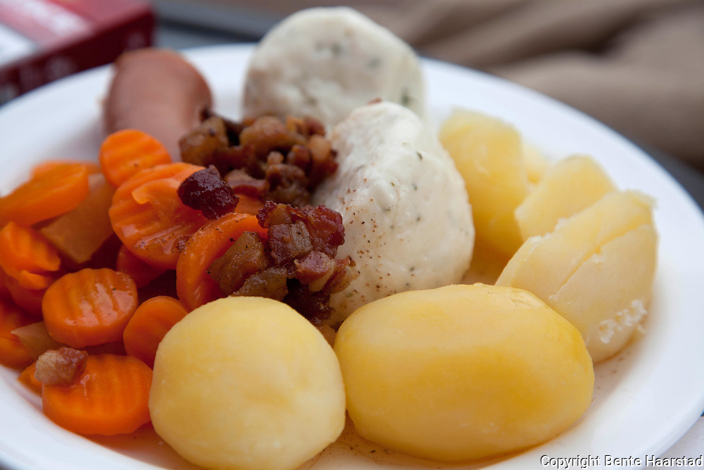 Storfiskball, Fosen in Sør-Trøndelag. Fish balls is a traditional meal in Norway, and there are different kinds. These big ones are served with potato, carrot and bacon.