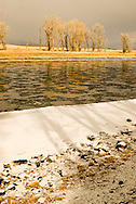Yellowstone River, Paradise Valley, south of Livingston, Montana, winter