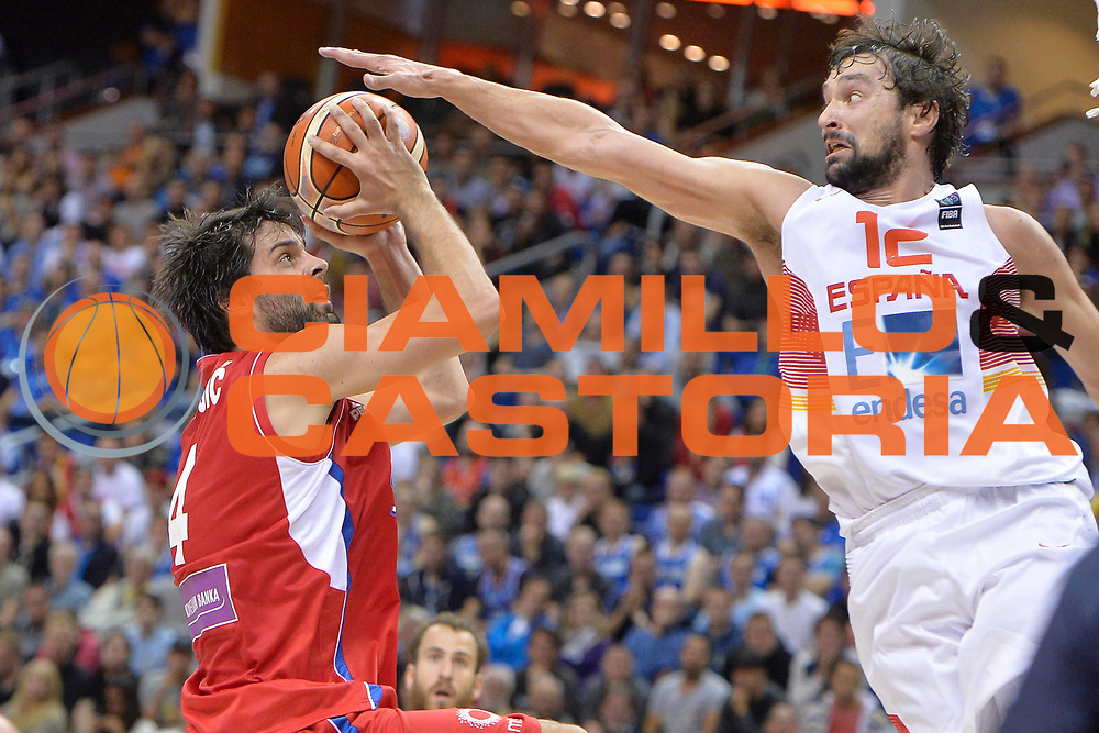 DESCRIZIONE : Berlino Berlin Eurobasket 2015 Group B Spain Serbia<br /> GIOCATORE : Sergio Llull<br /> CATEGORIA : stoppata<br /> SQUADRA : Spain<br /> EVENTO : Eurobasket 2015 Group B<br /> GARA : Spain Serbia <br /> DATA : 05/09/2015<br /> SPORT : Pallacanestro<br /> AUTORE : Agenzia Ciamillo-Castoria/I.Mancini<br /> Galleria : Eurobasket 2015<br /> Fotonotizia : Berlino Berlin Eurobasket 2015 Group B Spain Serbia