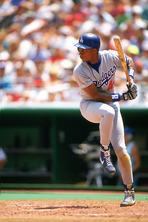 PHILADELPHIA - 1989:  Darryl Strawberry of the Los Angeles Dodgers bats during an MLB game versus the Philadelphia Phillies at Veterans Stadium in Philadelphia, Pennsylvania during the 1989 season. (Photo by Ron Vesely).  Subject:   Darryl Strawberry
