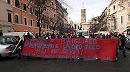 Roma 28 Gennaio 2011.Manifestazione del sindacato  Cobas per lo sciopero generale  indetto dal sindacato dei metalmeccanici Fiom contro il nuovo accordo Fiat di Mirafiori. .Rome, January 28, 2011.Manifestation of the union Cobas for the general strike called by the metalworkers'union Fiom against the new agreement with Fiat Mirafiori.