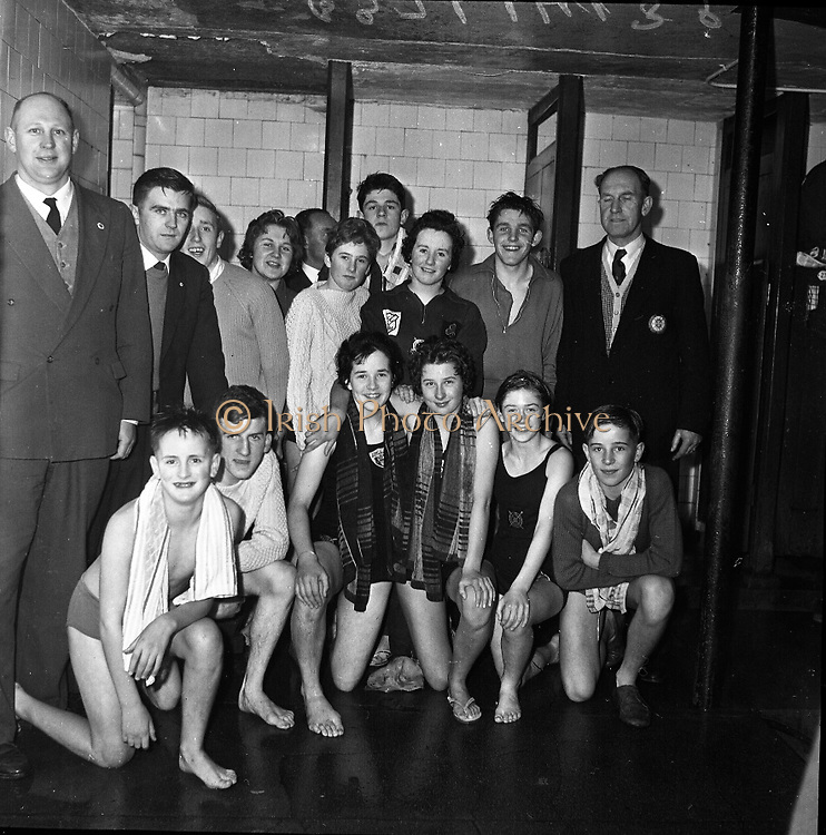Life Saving Society,  Royal Eighteenth Annual Gala at Iveagh Baths, Dublin..1961..10.11.1961..11.10.1961..10 October 1961.