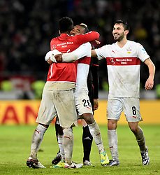30.12.2015, Mercedes Benz Arena, Stuttgart, GER, 1. FBL, VfB Stuttgart vs Hamburger SV, 19. Runde, im Bild Schlussjubel Jubel nach Spielende Geoffroy Serey Die VfB Stuttgart (Mitte) Lukas Rupp VfB Stuttgart (rechts) Daniel Didavi VfB Stuttgart (links) // during the German Bundesliga 19th round match between VfB Stuttgart and Hamburger SV at the Mercedes Benz Arena in Stuttgart, Germany on 2015/12/30. EXPA Pictures © 2016, PhotoCredit: EXPA/ Eibner-Pressefoto/ Weber<br /> <br /> *****ATTENTION - OUT of GER*****