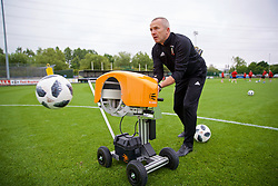 NEWPORT, WALES - Tuesday, June 5, 2018: Wales' goalkeeping coach Jon Horton using Ball Launcher during a training session at Dragon Park ahead of the FIFA Women's World Cup 2019 Qualifying Round Group 1 match against Bosnia and Herzegovina. (Pic by David Rawcliffe/Propaganda)