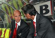 13-09-2008 VOETBAL:FC TWENTE:NEC NIJMEGEN:ENSCHEDE <br /> Erik Ten Hag in gesprek met Kees van Wonderen<br /> Foto: Geert van Erven