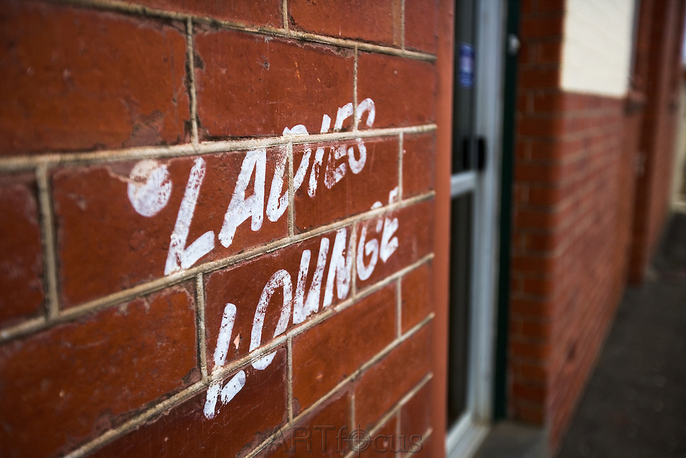 'Ladies lounge' painted on old pub in Ballarat<br />