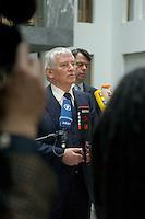 12 JAN 2005, BERLIN/GERMANY:<br /> Otto Schily, SPD, Bundesinnenminister, gibt nach einer Pressekonferenz zum Luftsicherheitsgesetz noch ein Statement vor Fernsehkameras, Bundespressekonferenz<br /> IMAGE: 20050112-01-031<br /> KEYWORDS: BPK, Journalist, Journalisten, Mikrofon, microphone