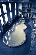 Nashville motel guitar-shaped indoor pool (1988)