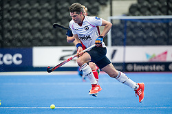 Wimbledon's Simon Mantell. Wimbledon v Hampstead & Westminster - Semi-Final - Men's Hockey League Finals, Lee Valley Hockey & Tennis Centre, London, UK on 22 April 2017. Photo: Simon Parker