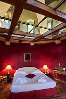 France, Loir-et-Cher (41), Chissay-en-Touraine, hotel particulier de Chateau de Chissay, chambre du donjon // France, Loir-et-Cher, Chissay-en-Touraine, Chateau de Chissay, hotel, mansion