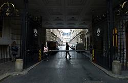 UK ENGLAND LONDON 23NOV11 - View into gated Throgmorton Avenue in the City of London.....jre/Photo by Jiri Rezac....© Jiri Rezac 2011