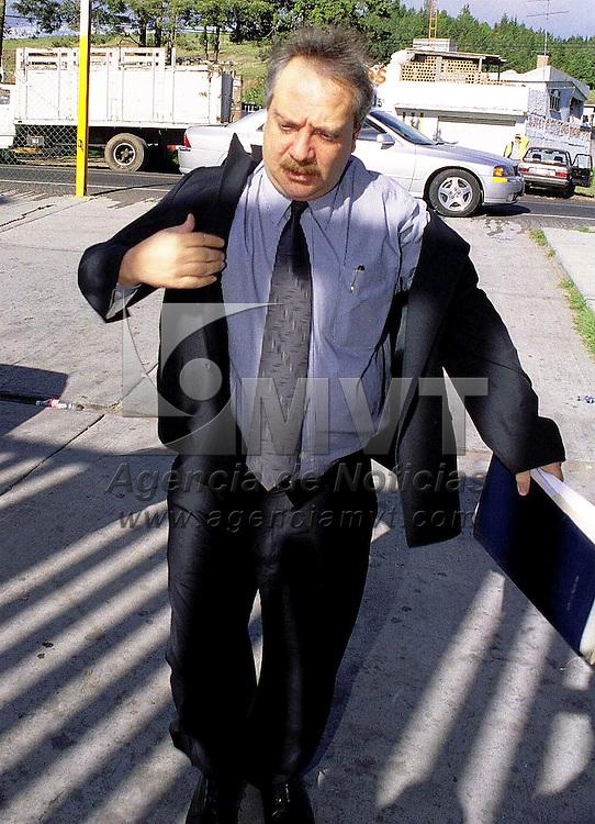 Almoloya de Juarez, Méx.- El abogado defensor de Raúl Salinas de Gortari, Jose Luis Nassor Dau llegó esta mañana al penal Estatal de Santiaguito dias antes de la entrevista que sostendrá con el juez Suizo Paul Pereydan. Agencia MVT / Mario Vázquez de la Torre.