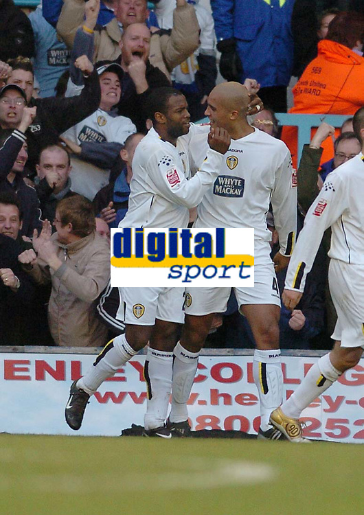 Fotball<br /> England 2004/2005<br /> Foto: SBI/Digitalsport<br /> NORWAY ONLY<br /> <br /> Coca Cola Championship<br /> 03/01/2005<br /> <br /> Coventry City v Leeds United <br /> <br /> Nathan Blake celebrates his goal for leeds united with Clarke Carlise