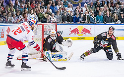 09.04.2019, Eisarena, Salzburg, AUT, EBEL, EC Red Bull Salzburg vs Vienna Capitals, Halbfinale, 6. Spiel, im Bild v.l.: John Hughes (EC Red Bull Salzburg), Jean Philippe Lamoureux (Vienna Capitals), Mat Clark (Vienna Capitals) // during the Erste Bank Icehockey 6th semifinal match between EC Red Bull Salzburg vs Vienna Capitals at the Eisarena in Salzburg, Austria on 2019/04/09. EXPA Pictures © 2019, PhotoCredit: EXPA/ JFK