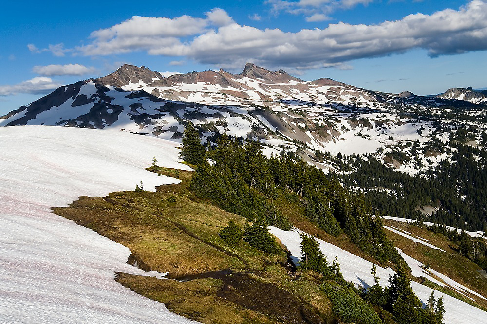 Old Snowy Mountain and Ives Peak from Hawkeye Point, Goat Rocks Wilderness, Washington.