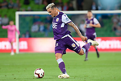 January 19, 2019 - Melbourne, VIC, U.S. - MELBOURNE, VIC - JANUARY 19: Perth Glory defender Jason Davidson (3) crosses the ball at the Hyundai A-League Round 14 soccer match between Melbourne City FC and Perth Glory on January 19, 2019, at AAMI Park in VIC, Australia. (Photo by Speed Media/Icon Sportswire) (Credit Image: © Speed Media/Icon SMI via ZUMA Press)