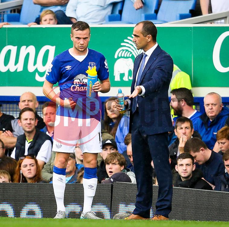 Everton Manager, Roberto Martinez gives instructions to Tom Cleverley - Mandatory byline: Matt McNulty/JMP - 07966386802 - 23/08/2015 - FOOTBALL - Goodison Park -Everton,England - Everton v Manchester City - Barclays Premier League