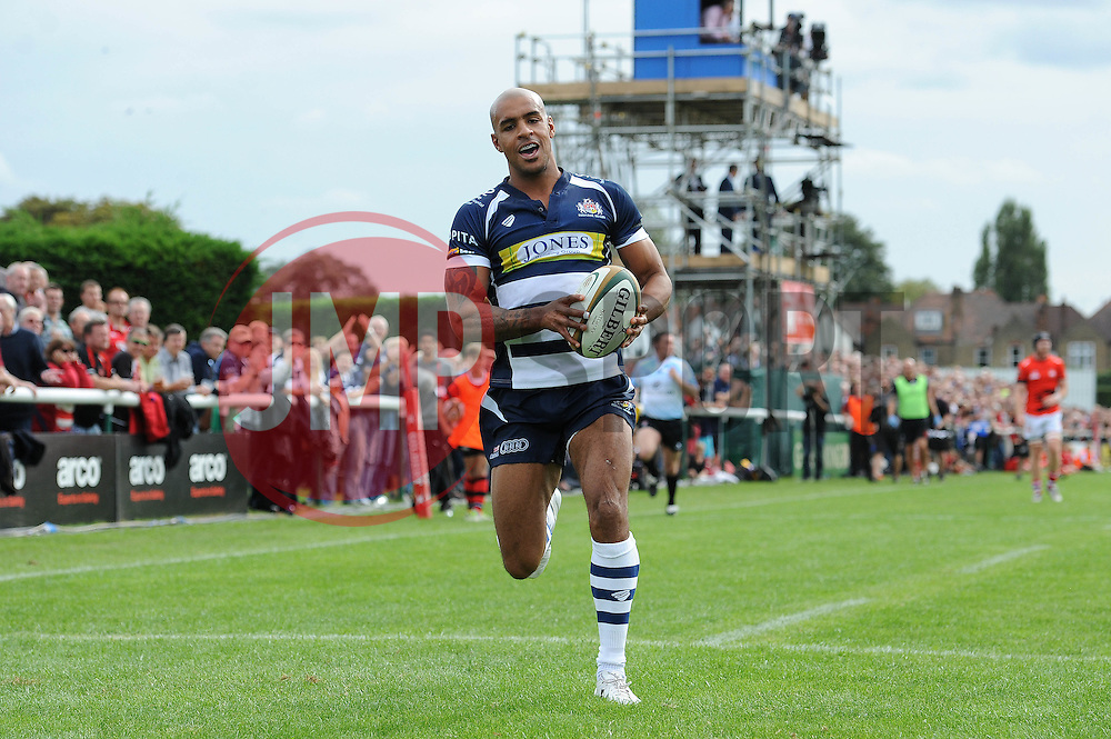 Bristol Rugby Winger Tom Varndell breaks free to score his first try for Bristol Rugby - Mandatory byline: Dougie Allward/JMP - 07966 386802 - 13/09/2015 - RUGBY UNION - Old Deer Park - Richmond, London, England - London Welsh v Bristol Rugby - Greene King IPA Championship.