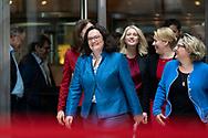 Andrea Nahles / SPD Vorsitzende, Manuela Schwesig, Familienministerin Franziska Giffey und Svenja Schulze auf den Weg zu einer Pressekonferenz in Berlin / 05112018, Deutschland