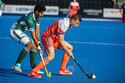The Netherlands v Pakistan - Hockey World League Semi Final, Lee Valley Hockey and Tennis Centre, London, United Kingdom on 15 June 2017. Photo: Simon Parker