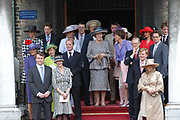 On Queensday, april 30th Queen Beatrix attends with her family ( Willem Alexander en  Maxima , Constantijn en Laurentien, Prince Friso en Mabel, Princes Margriet en  Pieter van Vollenhoven, Marilène en Maurits, Bernhard en Annette, Pieter-Christiaan met Anita van Eijk, Prince Floris met Aimée Söhngen) a special 25th jubilee ceremony of the dutch goverment in de Ridderzaal, The Hague.<br />