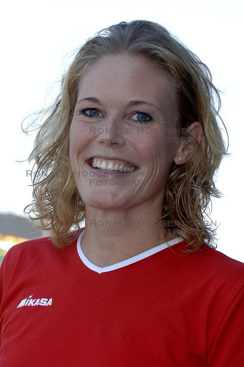 10-09-2006 VOLLEYBAL: TEAMPRESENTATIE GTI NESSELANDE: ROTTERDAM<br /> Teampresentatie GTI - Nesselande / Eva Heerschap<br /> &copy;2006-WWW.FOTOHOOGENDOORN.NL