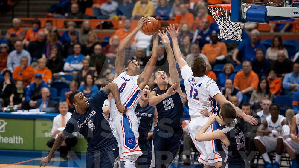 Boise State Men's Basketball vs Utah State. John Kelly photo