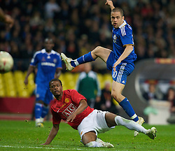 MOSCOW, RUSSIA - Wednesday, May 21, 2008: Manchester United's Patrice Evra and Chelsea's Joe Cole during the UEFA Champions League Final at the Luzhniki Stadium. (Photo by David Rawcliffe/Propaganda)