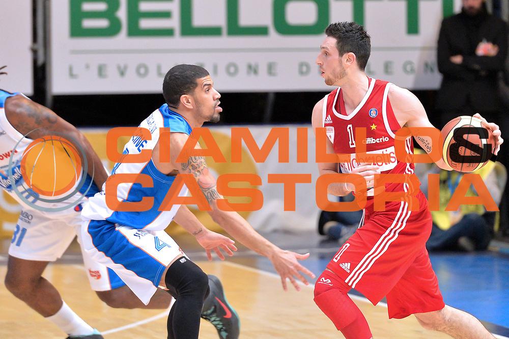 DESCRIZIONE : Cant&ugrave; Lega A 2014-15  Acqua Vitasnella Cant&ugrave; vs Openjobmetis Varese<br /> GIOCATORE : Rautins Andy<br /> CATEGORIA : Passaggio<br /> SQUADRA : Openjobmetis Varese<br /> EVENTO : Campionato Lega A 2014-2015<br /> GARA : Acqua Vitasnella Cant&ugrave; vs Openjobmetis Varese<br /> DATA : 26/01/2015<br /> SPORT : Pallacanestro <br /> AUTORE : Agenzia Ciamillo-Castoria/I.Mancini<br /> Galleria : Lega Basket A 2014-2015  <br /> Fotonotizia : Cant&ugrave; Lega A 2014-2015 Pallacanestro : Acqua Vitasnella Cant&ugrave; vs Openjobmetis Varese<br /> Predefinita :