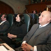 TOLUCA, Mexico.- Los diputados del PRI Aaron Urbina Bedolla, Presidente de la Junta de Coordinación Politica y Martha Elvia Fernández Sánchez, durante la sesion ordinaria del Congreso del Estado de Mexico. Agencia MVT / Jose Hernandez.