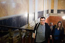 17.05.2016, Parlament, Wien, AUT, SPÖ, Sitzung des Parteipräsidiums mit Beschluss des neuen Bundeskanzlers. im Bild Bundesministerin für Gesundheit Sabine Oberhauser (L) // Austrian Minister of Health Sabine Oberhauser (L) during board meeting of the austrian social democratic party at austrian parliament in Vienna, Austria on 2016/05/17. EXPA Pictures © 2016, PhotoCredit: EXPA/ Michael Gruber