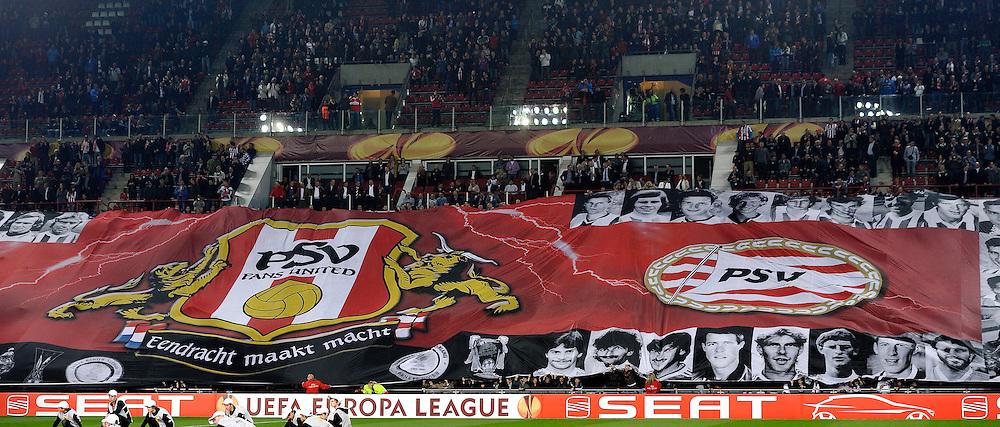 14-04-2011: VOETBAL: PSV - BENFICA: EINDHOVEN<br /> Support, publiek, vlaggen<br /> &copy; Ronald Hoogendoorn Photography