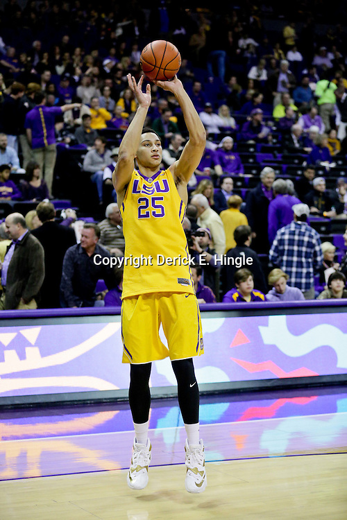 Jan 5, 2016; Baton Rouge, LA, USA; LSU Tigers forward Ben Simmons (25) during the first half of a game against the Kentucky Wildcats at the Pete Maravich Assembly Center. Mandatory Credit: Derick E. Hingle-USA TODAY Sports