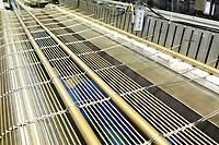 D&uuml;ren. 15.03.17 | BILD- ID 037 |<br /> GKD - Gebr. Kufferath AG. Metallfassade f&uuml;r die Neue Mannheimer Kunsthalle.<br /> Das Unternehmen in D&uuml;ren produziert Fassaden f&uuml;r die Architektur aus Metall. Ein gewebtes Metallgitter wird von Aussen an die Fassade montiert. <br /> Kunsthallendirektorin Dr. Ulrike Lorenz besucht das Unternehmen in D&uuml;ren und freut sich &uuml;ber die technische Umsetzung mit einer speziell goldenen Pigmentierung der Edelstahlstreben.<br /> Bild: Markus Prosswitz 15MAR17 / masterpress (Bild ist honorarpflichtig - No Model Release!)