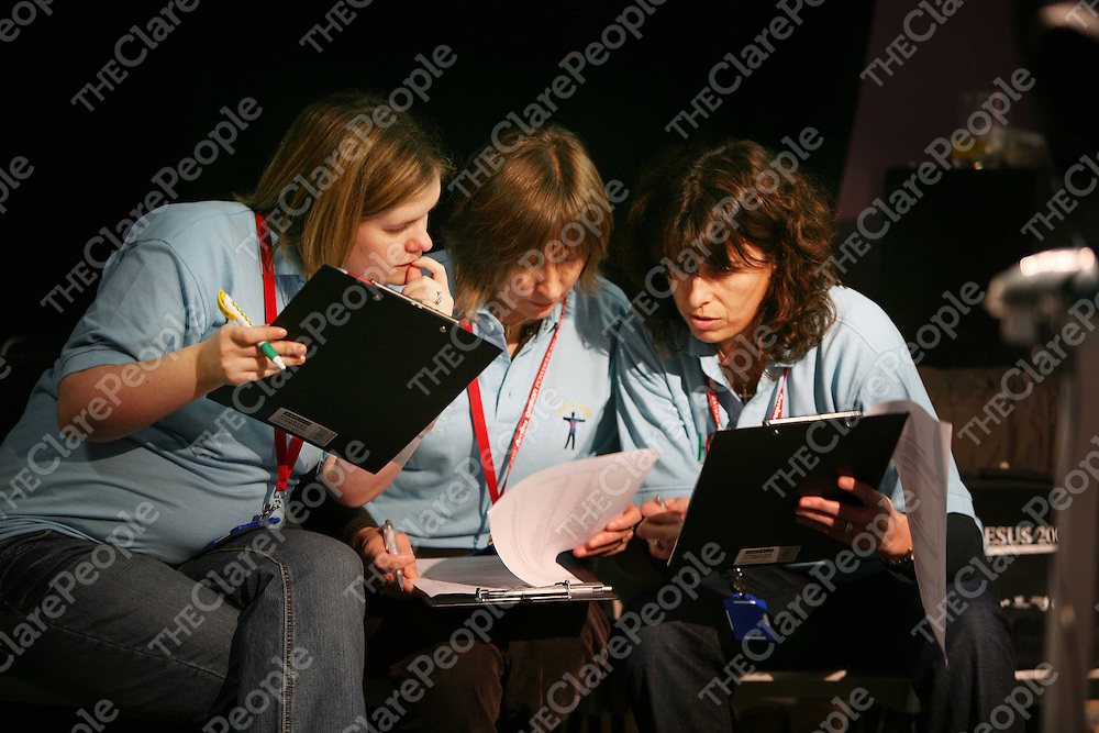 Jacqui Glennon,Mary O'Sullivan and Pauline Fitzhenry judging the ACLS exercise at the RESUS 2006 Conference in Ennis last weekend.<br />