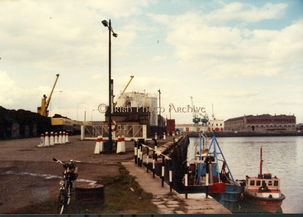 Old Dublin Amature Photos April 1983 WITH, Canal Locke's, Ringsend, Cottage, Hailing Station, Misery Hill, Lime St, Hanover St, east, Cardiff Lane, Britain Quay, Point Depot, North Wall,