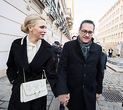 18.12.2017, Ballhausplatz, Wien, AUT, Bundesregierung, Angelobung der neuen Türkis Blauen Bundesregierung, im Bild FPÖ-Chef Heinz-Christian Strache mit seiner Frau Philippa am Weg vom Außenministerium zur Hofburg // Head of the Austrian Freedom Party (FPOe) Heinz-Christian Strache with his wife Philippa during inauguration of the new government of Austrian Peoples Party and Austrian Freedom Party at Ballhausplatz in Vienna, Austria on 2017/12/18 EXPA Pictures © 2017, PhotoCredit: EXPA/ Michael Gruber