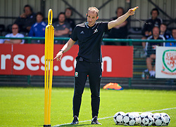 NEWPORT, WALES - Sunday, May 20, 2018: Dave Adams gives a practical demonstration during day three of the Football Association of Wales' National Coaches Conference 2018 at Dragon Park. (Pic by David Rawcliffe/Propaganda)