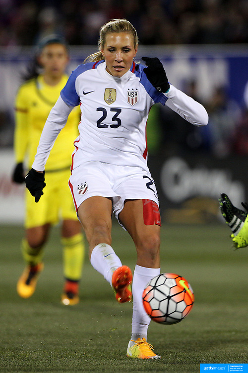 Allie Long, USA, shoots during the USA Vs Colombia, Women's International friendly football match at the Pratt & Whitney Stadium, East Hartford, Connecticut, USA. 6th April 2016. Photo Tim Clayton