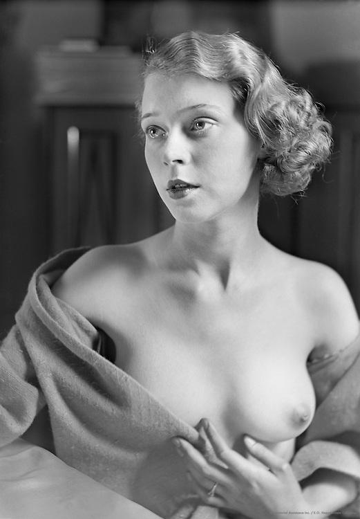 Sonja Andreason, 1932