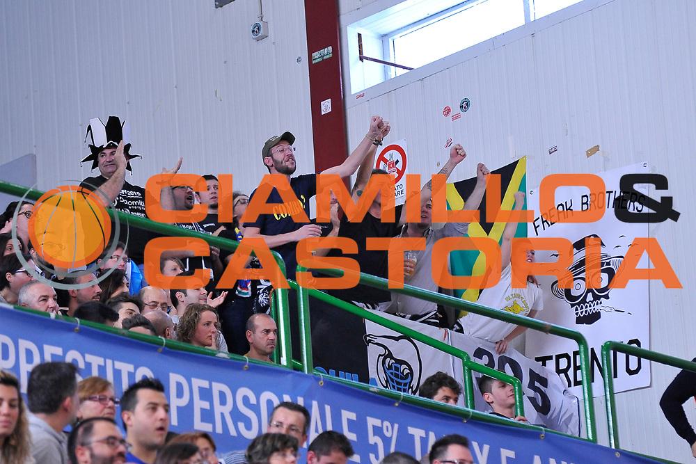 DESCRIZIONE : Campionato 2015/16 Serie A Beko Dinamo Banco di Sardegna Sassari - Dolomiti Energia Trento<br /> GIOCATORE : Ultras Dolomiti Energia Trento<br /> CATEGORIA : Ultras Tifosi Spettatori Pubblico<br /> SQUADRA : Dolomiti Energia Trento<br /> EVENTO : LegaBasket Serie A Beko 2015/2016<br /> GARA : Dinamo Banco di Sardegna Sassari - Dolomiti Energia Trento<br /> DATA : 06/12/2015<br /> SPORT : Pallacanestro <br /> AUTORE : Agenzia Ciamillo-Castoria/C.Atzori