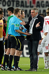 16.10.2011,  Rhein Energie Stadion, Koeln, GER, 1.FBL, 1. FC Koeln vs Hannover 96 ,im Bild.Mirko Slomka (Cheftrainer Hannover) (M) diskutiert mit dem Schiedsrichtergespann um Jochen Drees..// during the 1.FBL, 1. FC Koeln vs Hannover 96 on 2011/10/16, Rhein-Energie Stadion, Köln, Germany. EXPA Pictures © 2011, PhotoCredit: EXPA/ nph/  Mueller *** Local Caption ***       ****** out of GER / CRO  / BEL ******