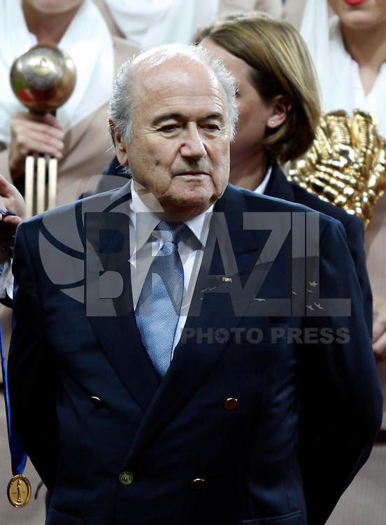 FRANKFURT, ALEMANHA, 17 DE JULHO DE 2011 - COPA DO MUNDO FIFA FUTEBOL FEMININO - JAPAO X ESTADOS UNIDOS -  Joseph Blatter, presidente da Fifa, durente cerimonia de premiacao Copa do Mundo de Futebol Feminino 2011, no Commerzbank-Arena (Waldstadion), Stadium de Frankfurt  na Alemanha, neste domingo (17). (FOTO: WILLIAM VOLCOV - NEWS FREE).