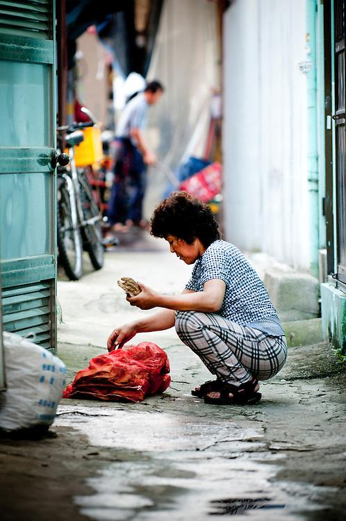 Scenes from Gupo Market. Busan, South Korea. 13/08/2011.