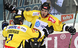 29.01.2013, Albert Schultz Eishalle, Wien, AUT, EBEL, UPC Vienna Capitals vs EHC Liwest Linz, 4. Platzierungsrunde, im Bild Torjubel Adrian Veideman, (UPC Vienna Capitals, #7) und Michael Schiechl, (UPC Vienna Capitals, #26)  // during the Erste Bank Icehockey League 4th placement Round match betweeen UPC Vienna Capitals and EHC Liwest Linz at the Albert Schultz Ice Arena, Vienna, Austria on 2013/01/29. EXPA Pictures © 2013, PhotoCredit: EXPA/ Thomas Haumer