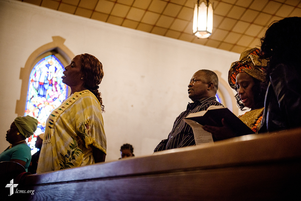 Parishioners worship at Lutheran Church of the Redeemer, Baltimore, on Palm Sunday, March 25, 2018. LCMS Communications/Erik M. Lunsford
