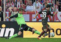 Fotball<br /> Tyskland<br /> 28.04.2012<br /> Foto: Witters/Digitalsport<br /> NORWAY ONLY<br /> <br /> Letztes Spiel, Torwart Joerg Butt (Bayern), Tamas Hajnal<br /> Bundesliga, FC Bayern München - VfB Stuttgart