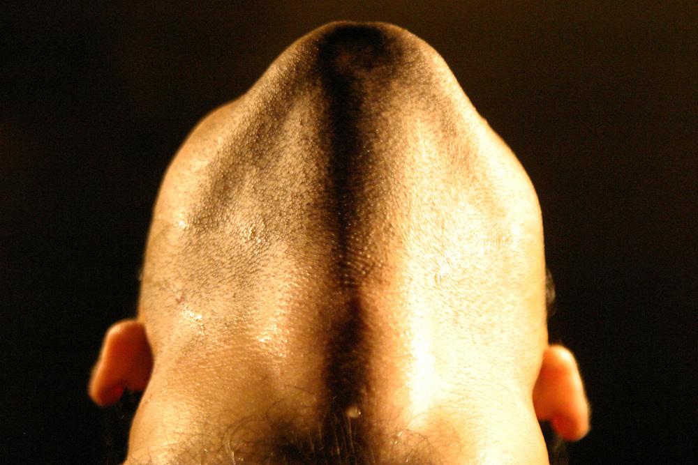 Belo Horizonte_MG, Brasil...Detalhe do pescoco de um homem...Detail of a man neck...Foto: LEO DRUMOND / NITRO