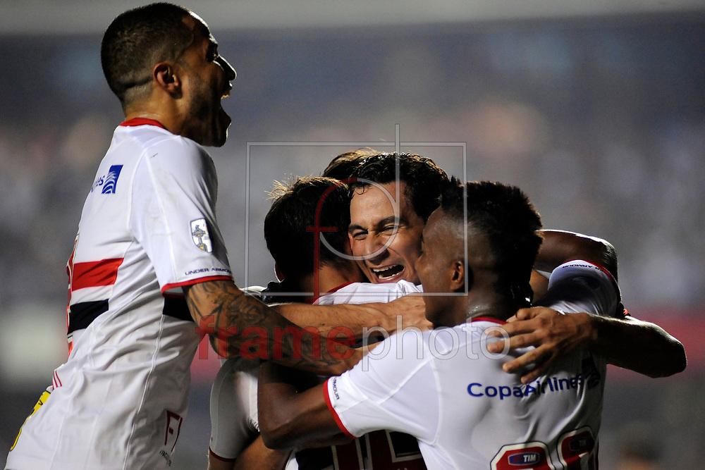 Calleri Comemora o segundo gol durante o jogo entre Sao paulo x River Plate ,  em partida válida pela primeira fase da copa Libertadores de 2016 , no estádio do Morumbi em Sao Paulo. Foto Alan Morici / FramePhoto