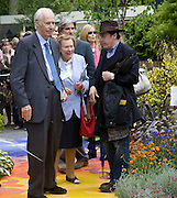 SIR GEORGE AND LADY MARTIN AND JOOLS HOLLAND, Opening day of the Chelsea Flower Show. Royal Hospital Grounds. London. 19 May 2008 *** Local Caption *** -DO NOT ARCHIVE-© Copyright Photograph by Dafydd Jones. 248 Clapham Rd. London SW9 0PZ. Tel 0207 820 0771. www.dafjones.com.